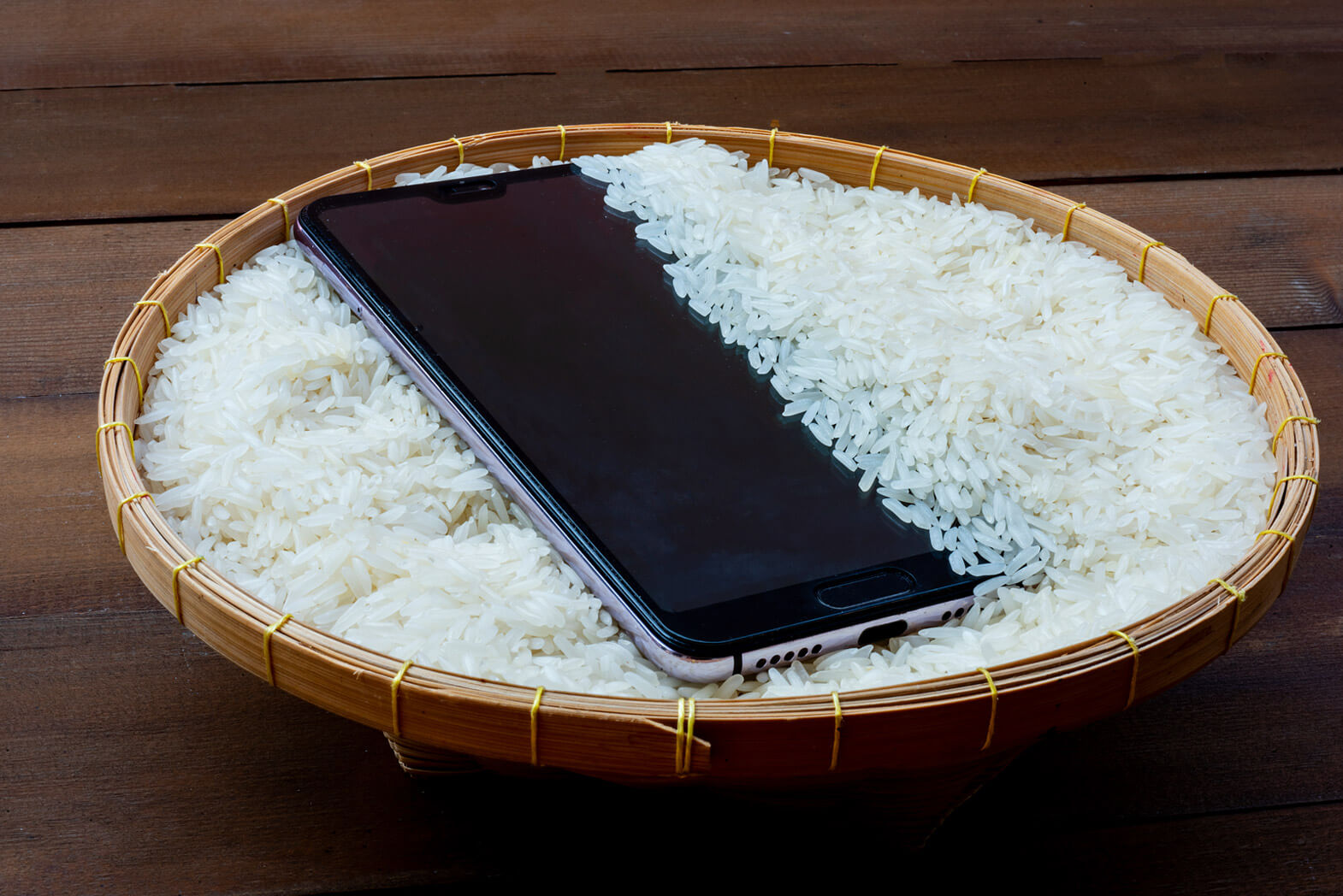 putting phone in rice